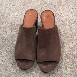 Frye Blake mule sandals great condition